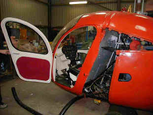 Bell 47H with open door