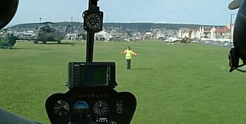 G-KYDD lands on Beach Lawns for Helidays 2004